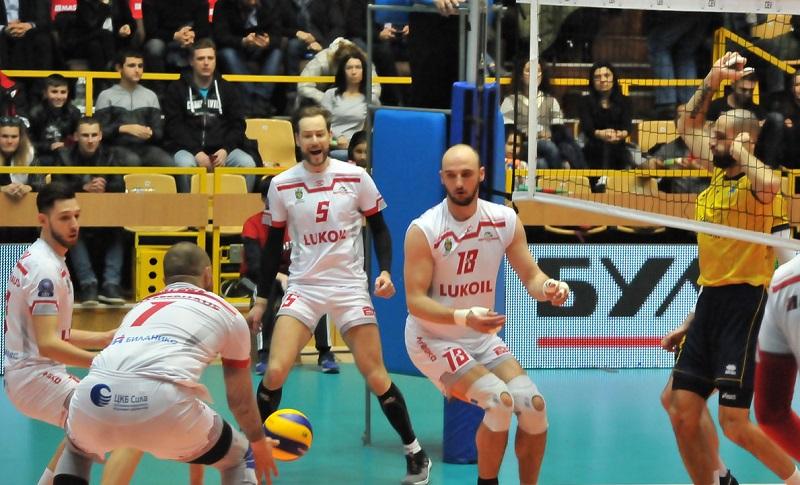 Волейболният Нефтохимик с драматична победа и място на полуфиналите за Купата на България