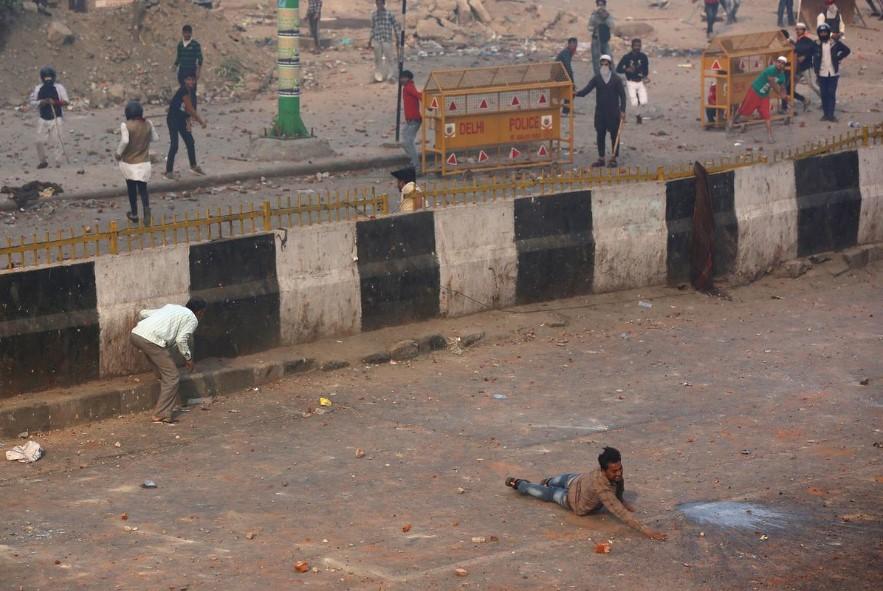 Поне 7 убити и около 150 ранени при протести в Делхи