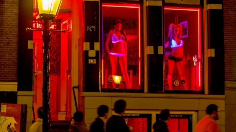 Амстердам ще строи хотел за проституция