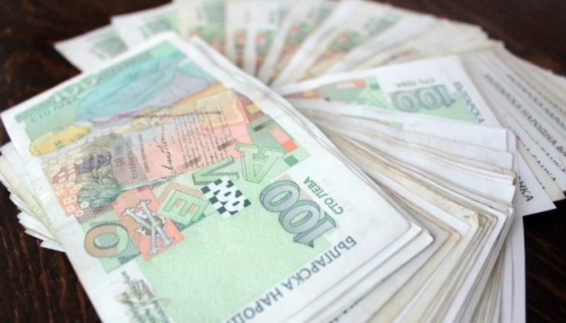 Хотелиери предупредиха за масови фалити и поискаха държавата да плаща заплатите на служителите им