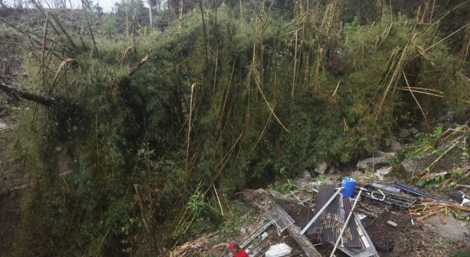 Ужас във Филипините: 90 души загинаха при свлачища и наводнения