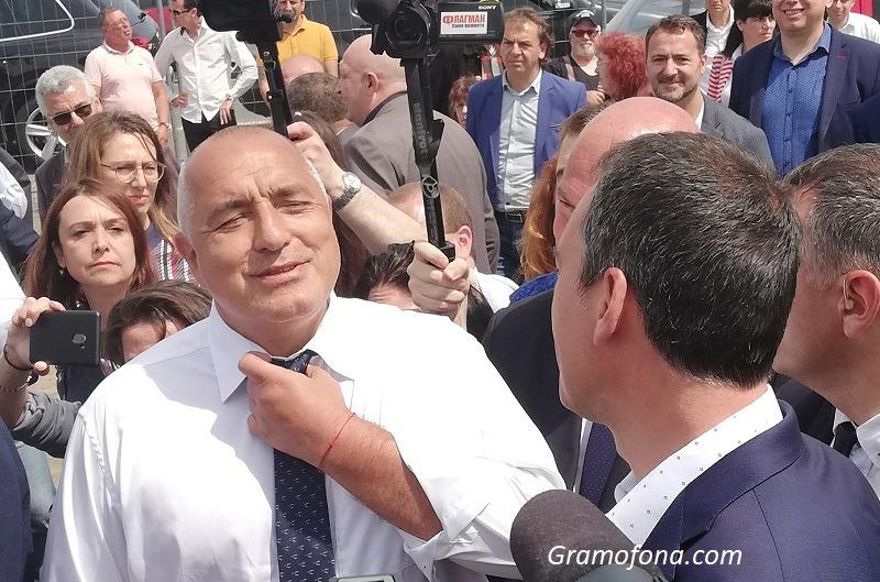 Борисов защити правото на жените да ходят на фризьор