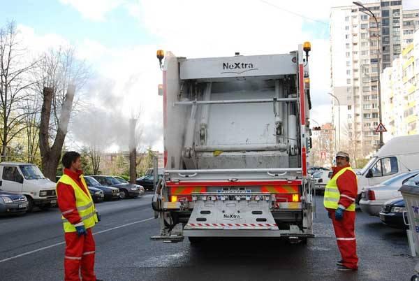 След ремонт звъннете в Общината, извозват отпадъците безплатно