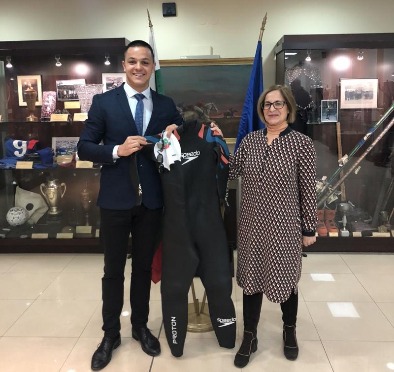Бургаският рекордьор Цанко Цанков дари екипировката си на Националния спортен музей