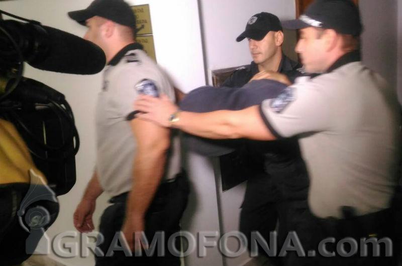 Адвокатка поиска домашен арест за бившия затворник, отвличал проститутки. Бил добър съпруг и баща