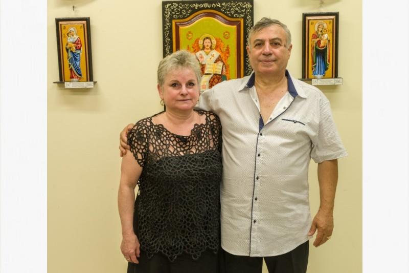 Семейство от Бургас празнува своята Креп сватба с първа обща изложба