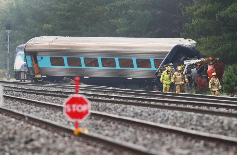 Влак дерайлира във Франция, има много пострадали