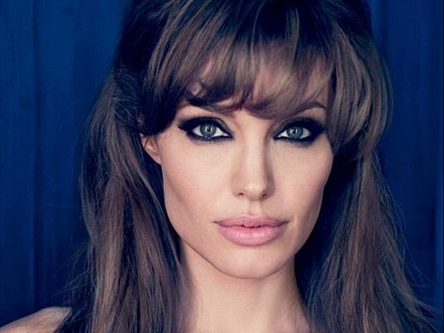 Анджелина Джоли ще чете лекции в лондонско училище