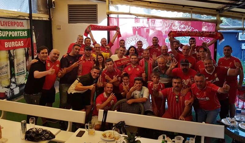 Парад в Бургас по случай шампионската титла на Ливърпул