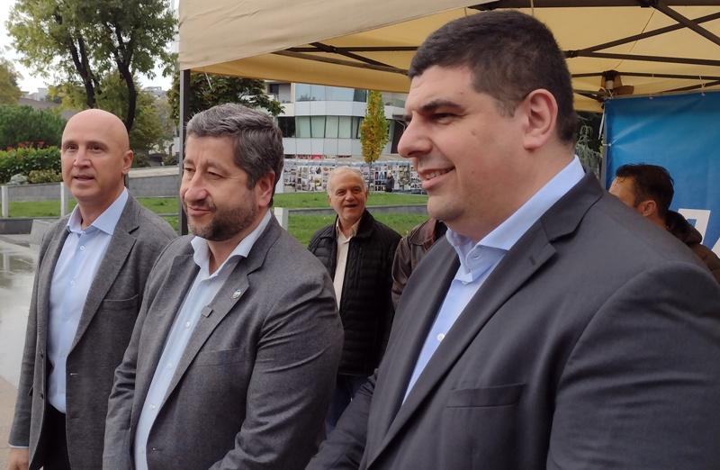 Христо Иванов в Бургас: Борбата на Демократична България е да бъдем в бъдещето, а не назад във времето