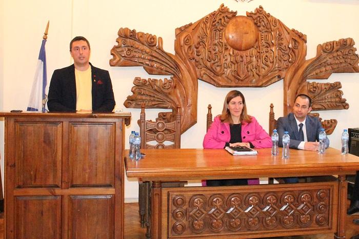 Ясни правила за къмпингите до края на май, обеща министър Ангелкова