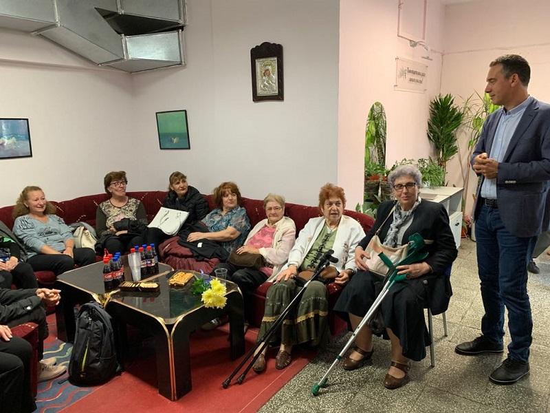 Екип от 33-ма медици, психолози и социални работници ще се грижи за самотните и болни възрастни хора в Бургас