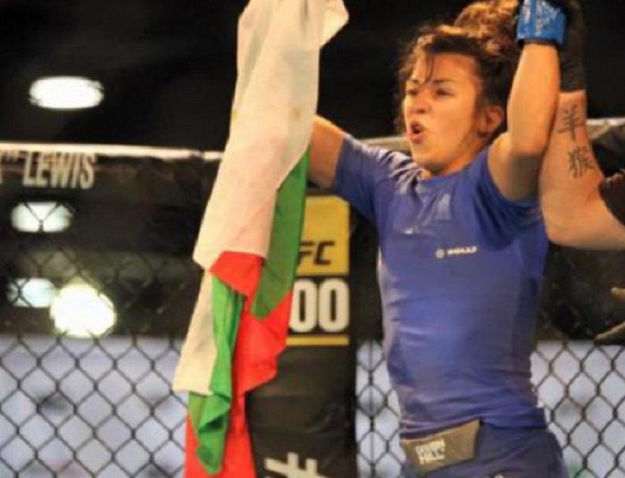 Българка стана световен шампион по ММА