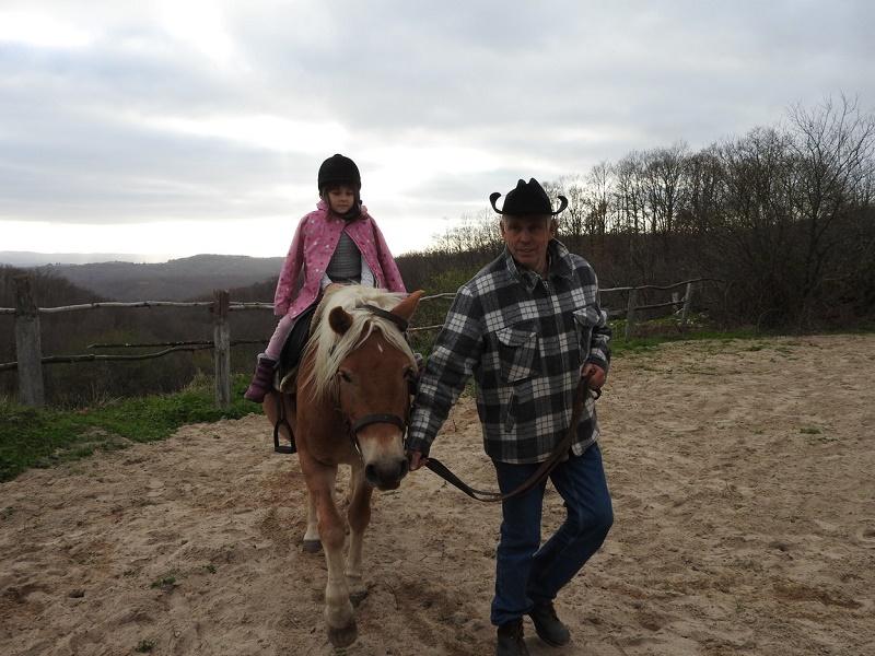 На конна разходка в Кондолово