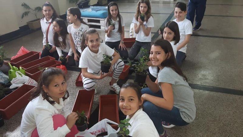 """Бургаски ученици се впуснаха в """"Големия лов на растения"""""""