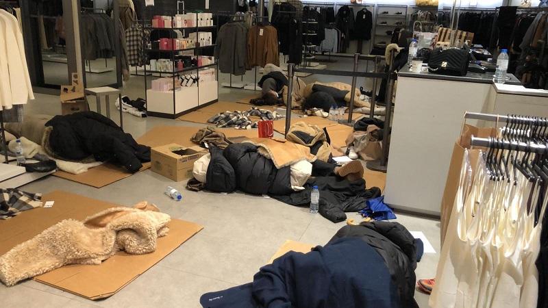 Трети ден 90 души са блокирани в мол заради снежната буря в Мадрид