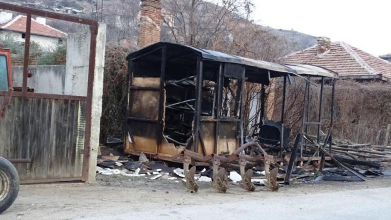 Мъж изгоря във фургон край Сандански