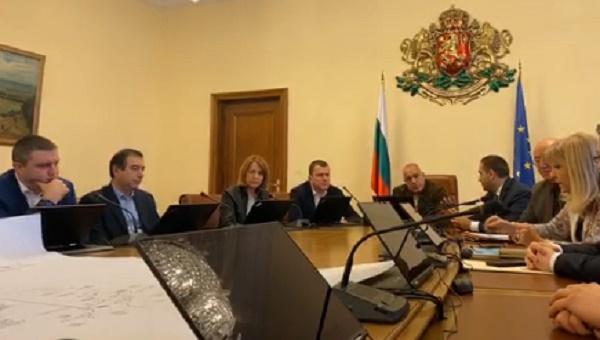 Спешна среща при премиера заради водната криза в Перник