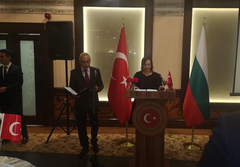 Турският консул с прием за 96-та годишнина от създаването на Република Турция