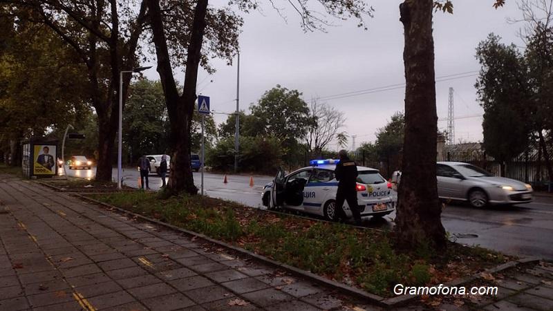 Шофьор блъсна майка с дете на пешеходна пътека в Бургас
