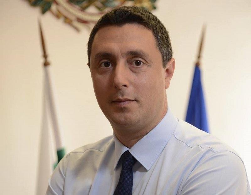 Политици именици в Бургаско нямат време и за кафе на Гергьовден