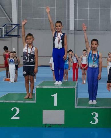 Триумф за Черноморец на държавното по спортна гимнастика