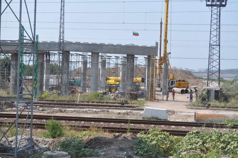 Дават 6 милиона за пътния възел на Бургас