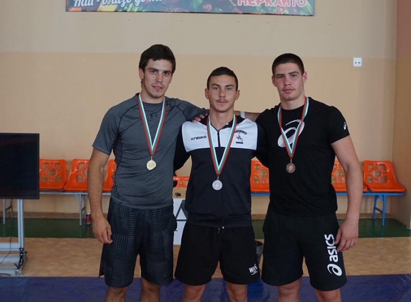 Бургаските борци Мартин, Петър и Ивайло отново показаха, че са най-добрите