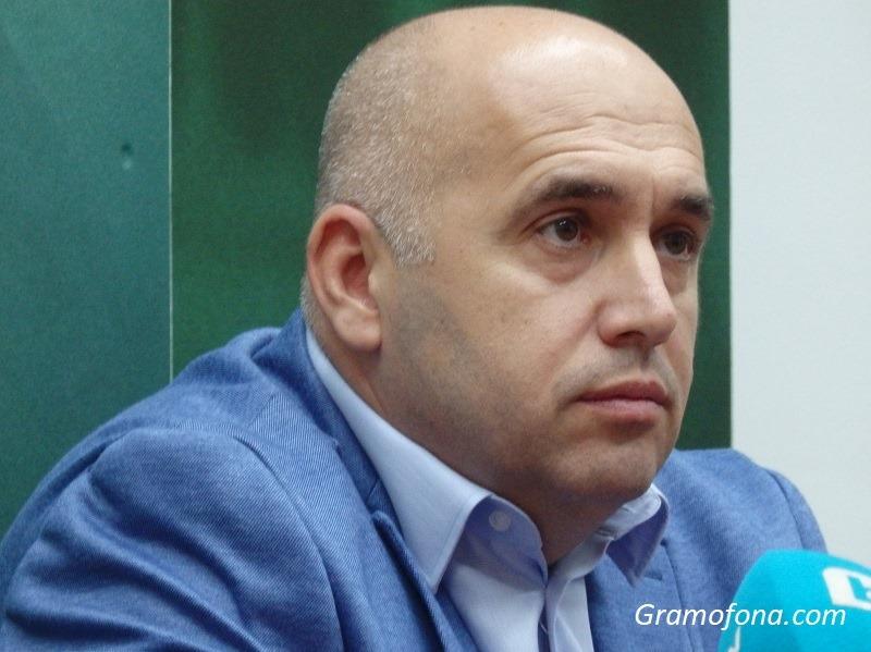 Топ криминалисти нищят убийството в Долно Езерово