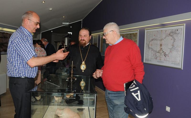 Съкровище от златни монети и глинени лампи гостува на музея в Ахтопол