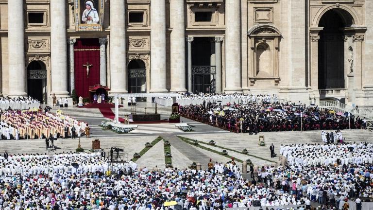 Обявиха Майка Тереза за светица