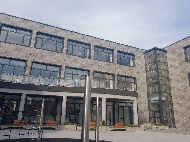 Лятно кино на покрива на новата бургаска библиотека