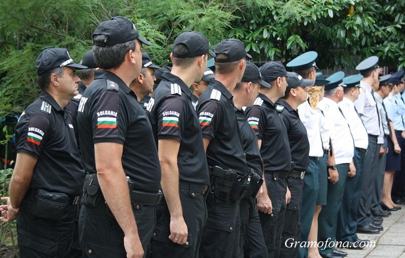 Обявиха 17 свободни места за полицаи в Бургас, вижте как може да кандидатствате
