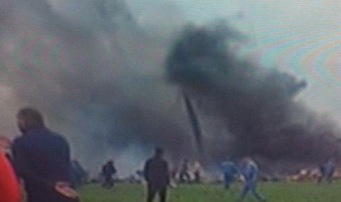 Алжирски военен самолет се разби, съобщават за над 200 жертви