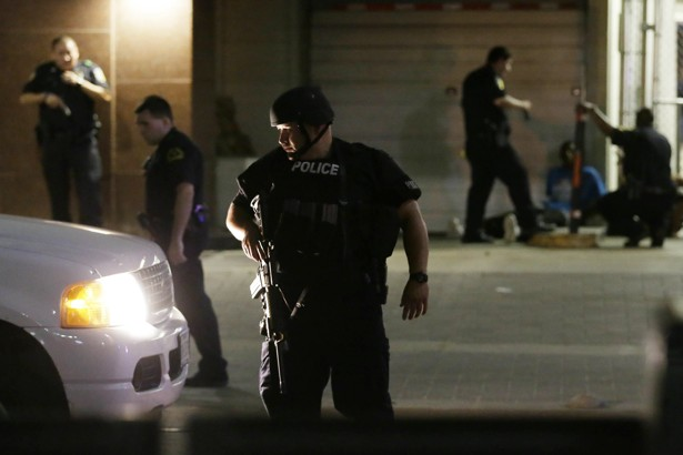 Четирима полицаи са убити при протест в Далас