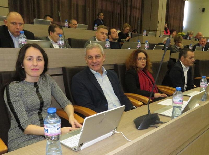 ГЕРБ: Работим в Бургас да има студенти по медицина, опозицията откри предизборната кампания