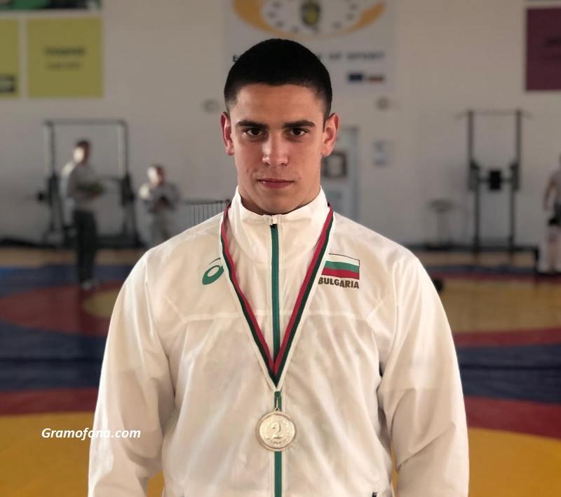 Гордостта на бургаските борци Мартин Димитров отново донесе медал