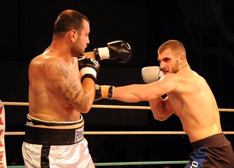 Боксьори мериха сили в Бургас
