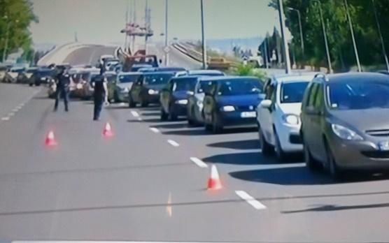 Родители блокираха пътя Бургас - Созопол