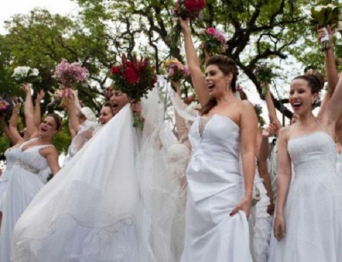 50 двойки се венчаха едновременно в Белград