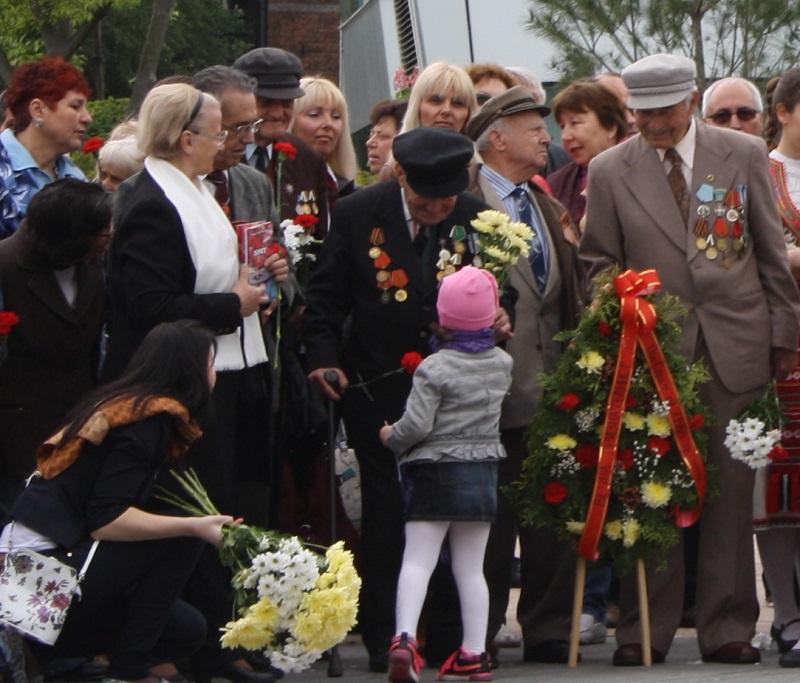 Стотици руснаци отбелязаха 9 май в Бургас