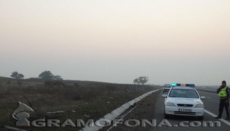 """Катастрофа на магистрала """"Тракия"""", движението при км 323 е в изпреварващата лента"""