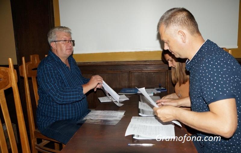 Георги Дражев се впуска в кметската надпревара в Бургас, брат му ще му е съперник