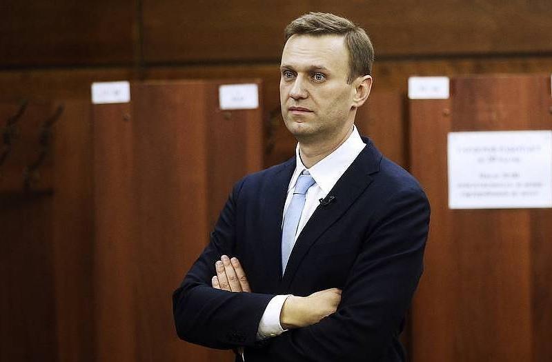 Алексей Навални е в съзнание и говори
