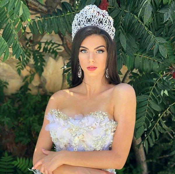 Бургас търси новата си Кралица