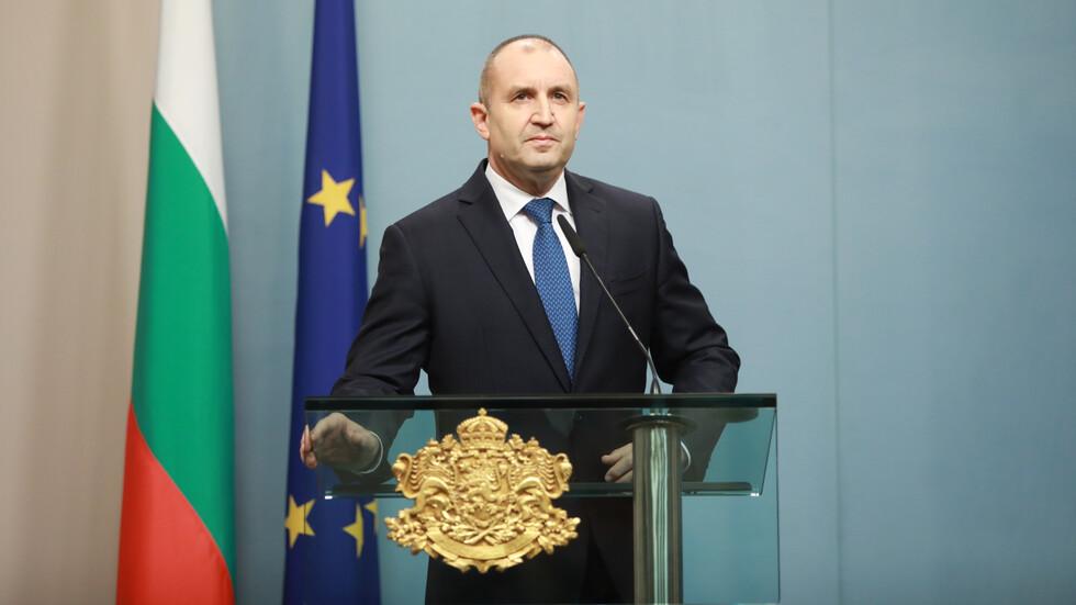 Президентът връчва третия мандат за съставяне на правителство