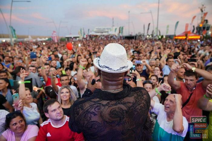 Над 8000 фенове на 90-те в първата вечер на SPICE Music festival