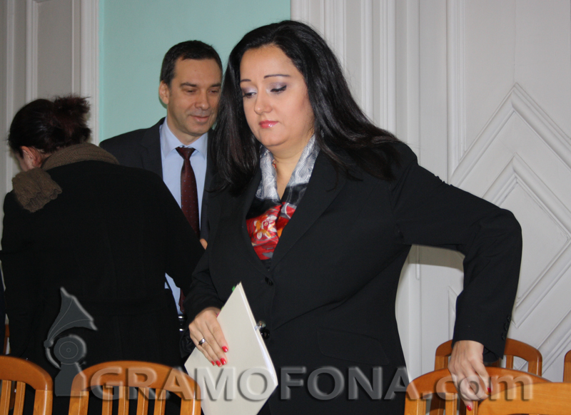 Лиляна Павлова на отчет при Румен Радев заради тол таксите