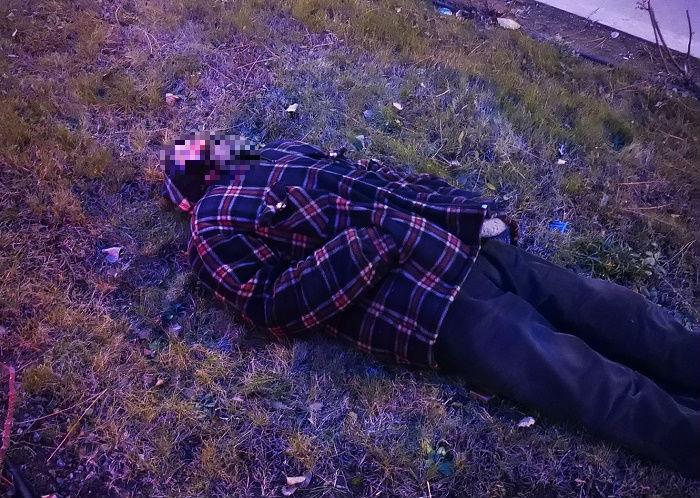 5 часа човек лежа на студа в Несебър, десетки го подминават