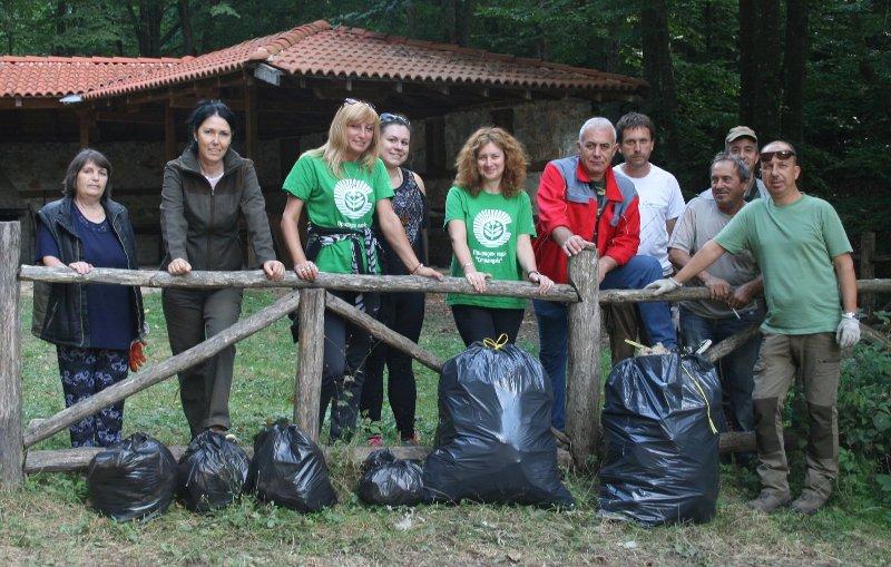 Голямото почистване в парк Странджа започна